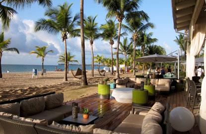 Oceanfront-Beach-Bar-and-Lounge.jpg