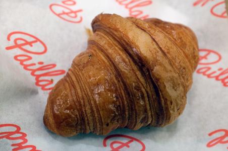 Paillard-Quebec-croissant.jpg