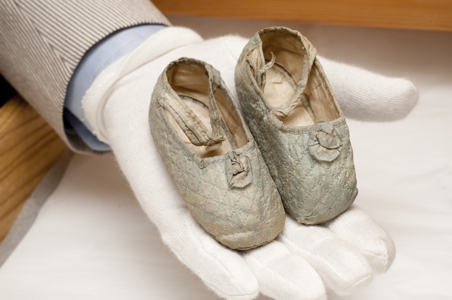 Princess-Mauds-baby-shoes-museum-of-london.jpg