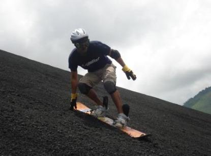 Sandboarding%20Cerro%20Negro.jpg
