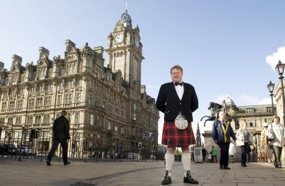 Scotland-Balmoral-tartan-butler.jpg