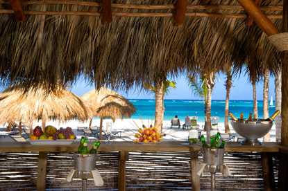 Secrets-Royal-Beach-Punta-Cana-bar.jpg