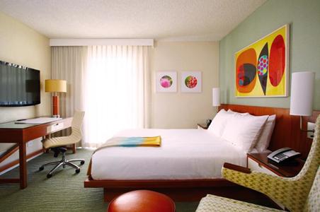 Shoreline_guestroom.jpg