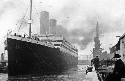 Titanic-at-dock.jpg