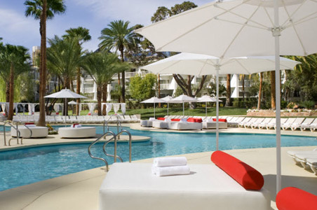 Tropicana-Las-Vegas-Best-Swim-Up-Bar.jpg