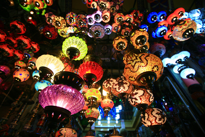 Turkey-Istanbul-Grand-Bazaar-lights.jpg