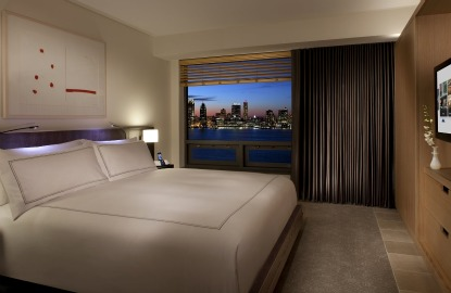 Two-New-York-Hotels-Conrad-NYC.jpg