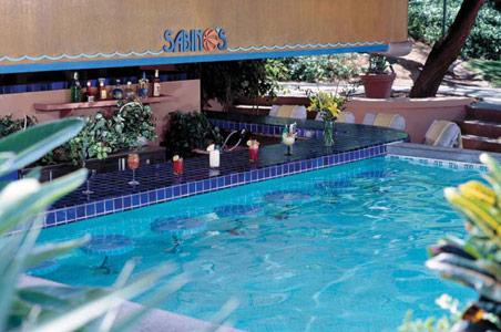 Westin-La-Paloma-Sabinos-Best-Swim-Up-Bar-1.jpg