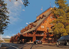 Wyoming-Yellowstone-Old-Faithful-Inn-exterior.jpg