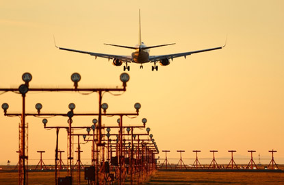 airplane-landing.jpg