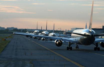 airplane-taxi.jpg