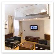 060501_croatia_hotelvestibule.jpg