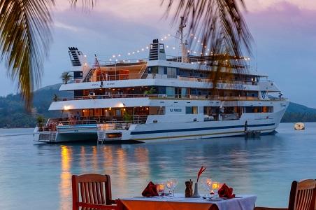 blue-lagoon-cruises-fiji.jpg