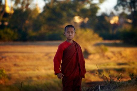 burma-myanmar-monks.jpg