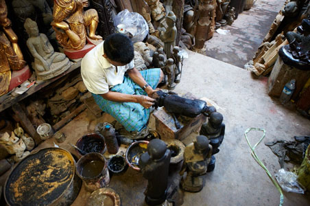 burma-shopping-artisans.jpg