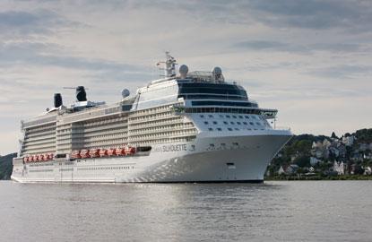 celeb-cruise-coachella1.jpg