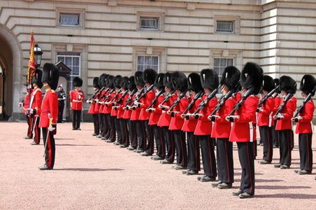 changing-guards-london.jpg