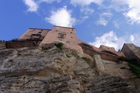 cliffs-in-Tropea.jpg