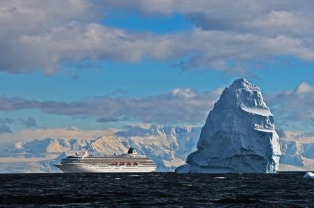 crystal-symphony-antarctica.jpg