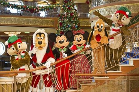 disney-cruise-line-christmas-1.jpeg