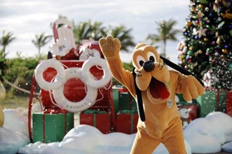 disney-cruise-line-christmas-2.jpeg