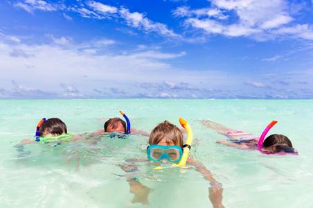 family-snorkeling.jpg