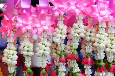flower-garland.jpg