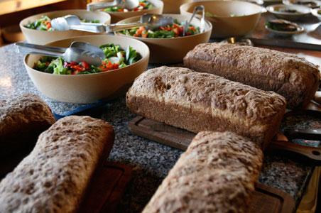 huts_food_lduff.jpg