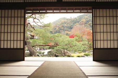 japan-temple-interior.jpg