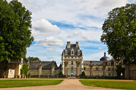 loire-valley-chateaux-france.jpg