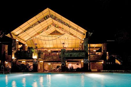 luxury-safari-lodge.jpg
