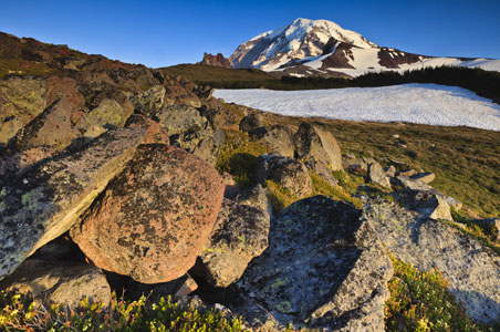 mt-rainier-fall-getaway.jpg