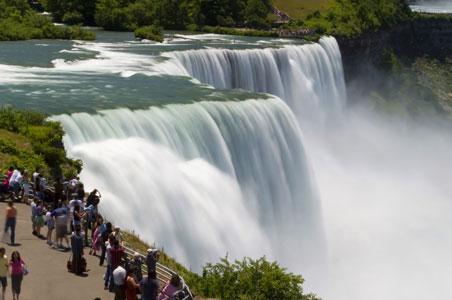 niagara-falls-ny-canada.jpg