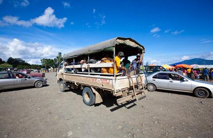 papua-new-guinea-bus.jpg