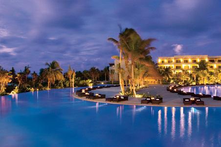 secrets-maroma-honeymoon-pool.jpg