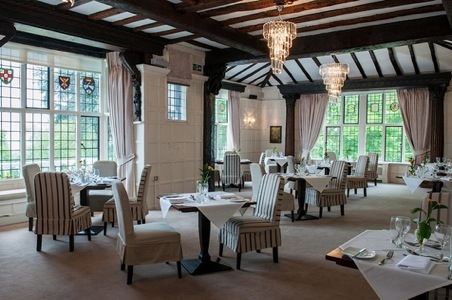 the-manor-elstree-restaurant.jpg