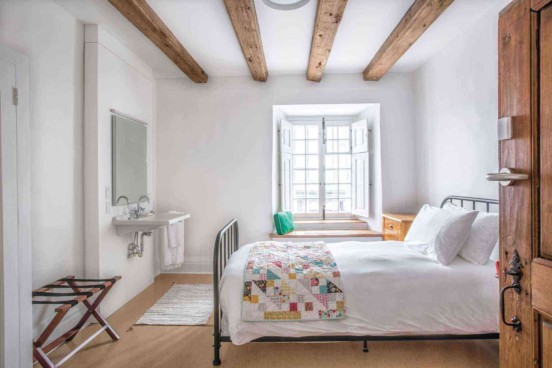 Bedroom-Le Monastere des Augustines