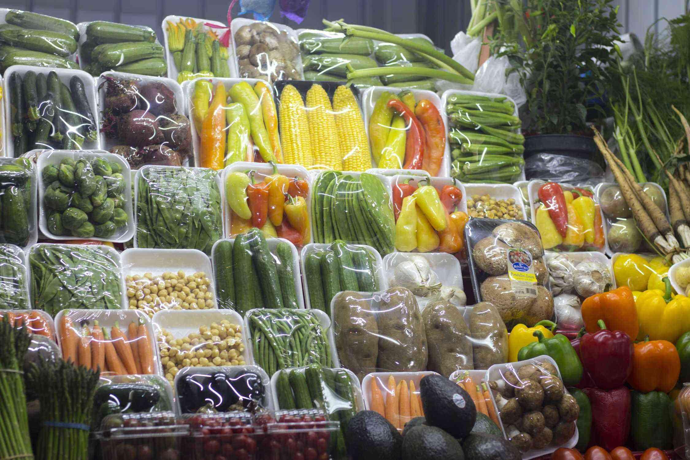San-Juan-Market-veggies