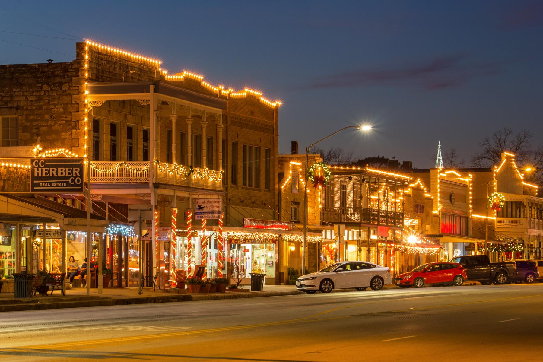Christmas Towns.15 Christmas Obsessed Towns