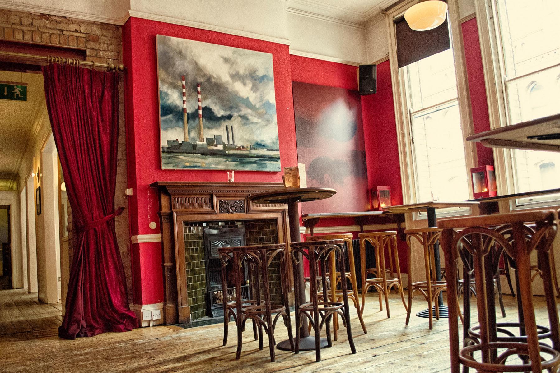 Dublin-Bar-With-No-Name-3