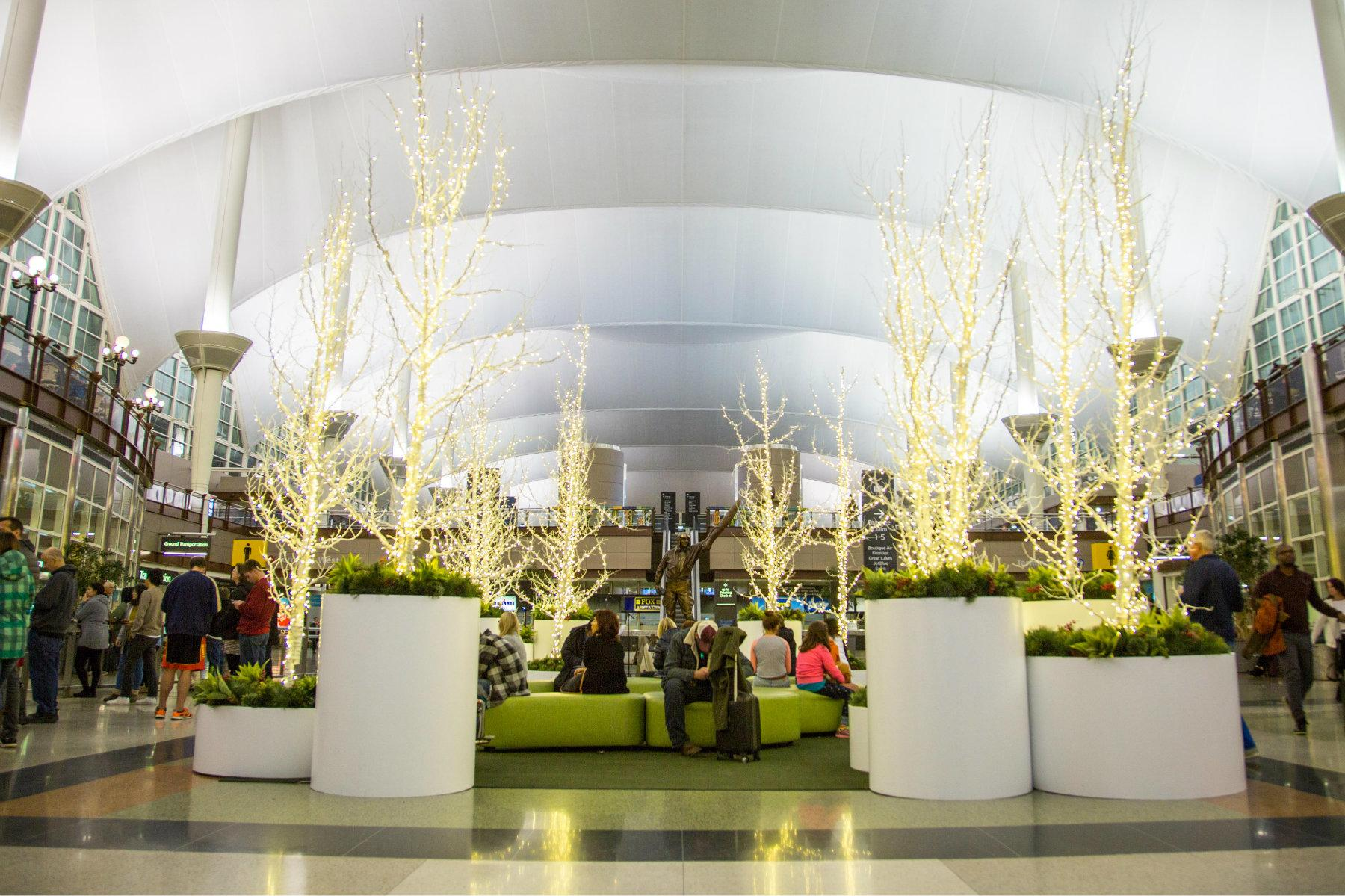 Deck The Terminals 10 Airports With Over The Top Holiday