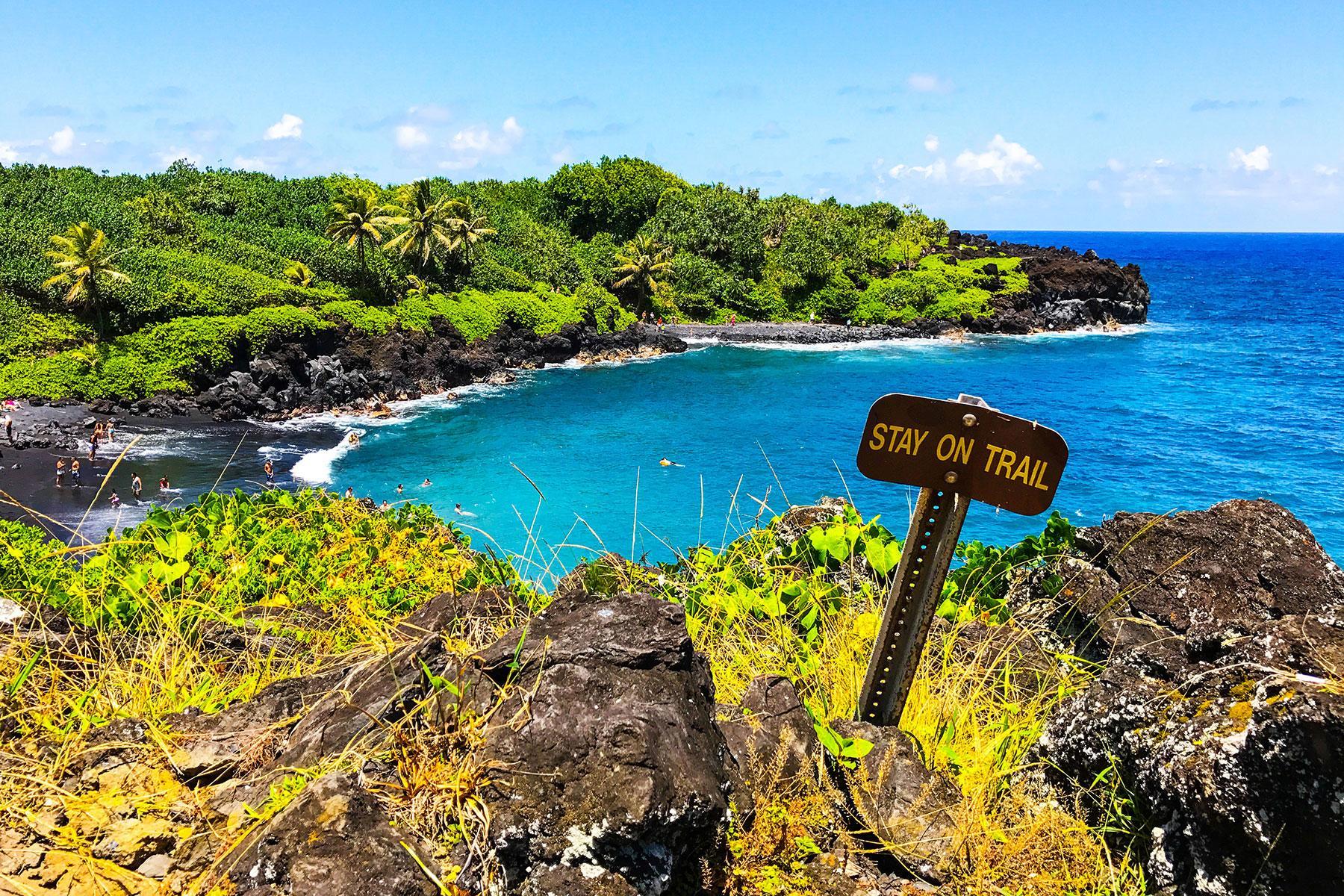49b277677a7 Black-Sand-Beaches-Pailoa-Beach-Maui-Hawai