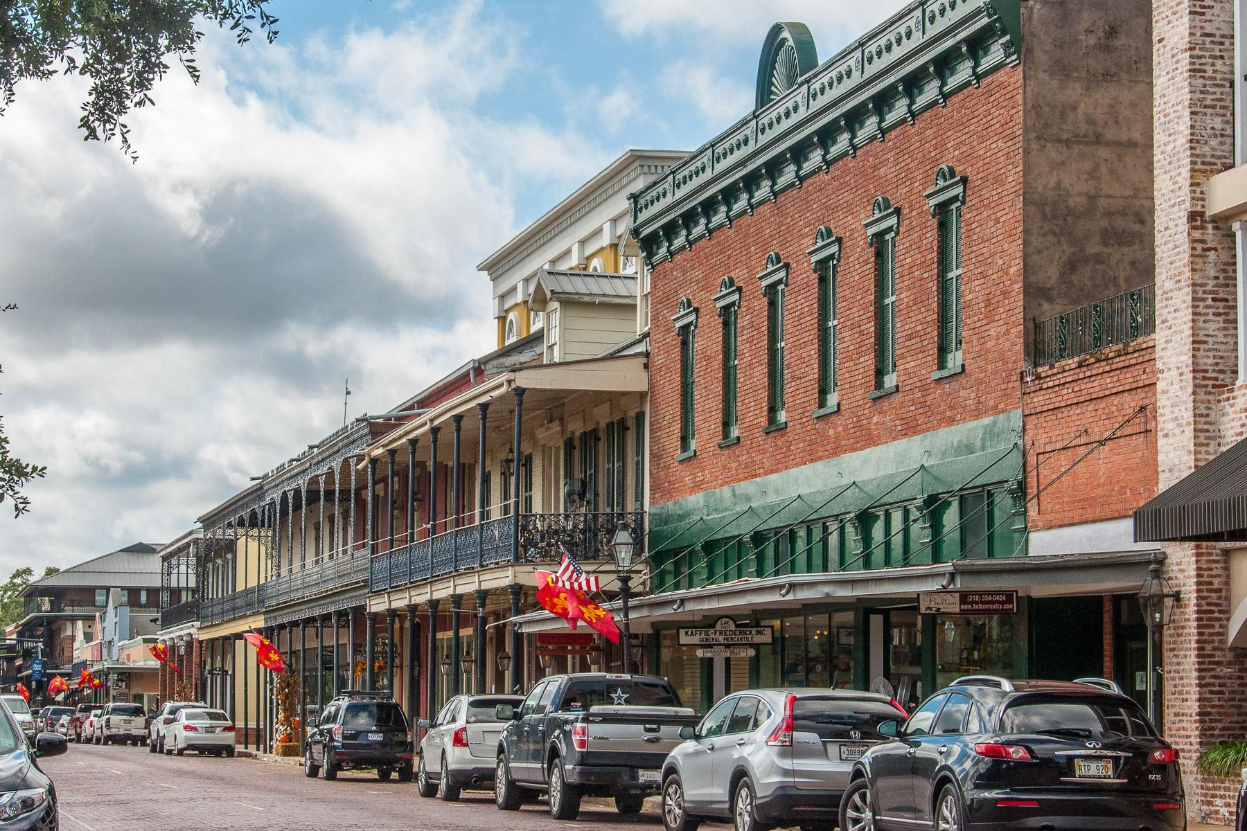 America's 25 Cutest Main Streets in Small(er) Towns
