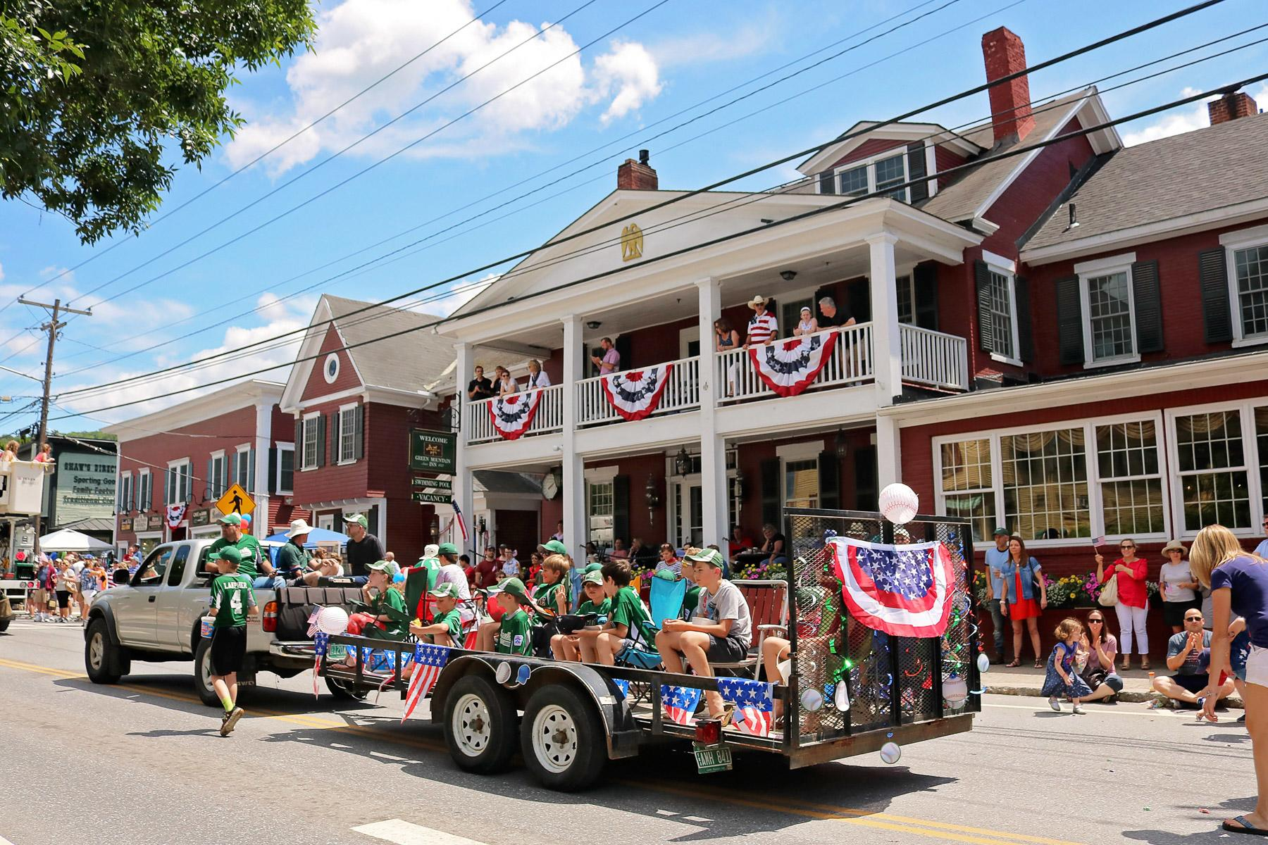 America S Best Small Town Fourth Of July Celebrations And Fireworks