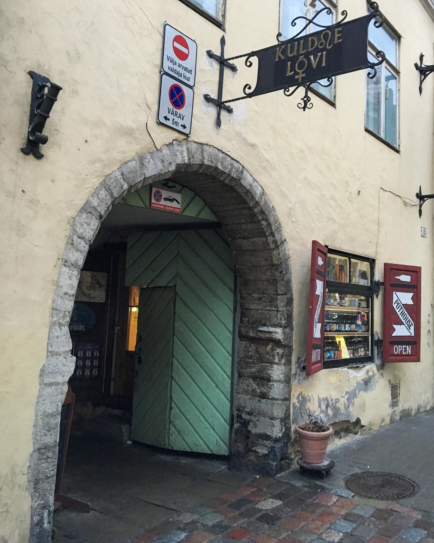 This Hidden Bar has the Best Beer in Tallinn-04