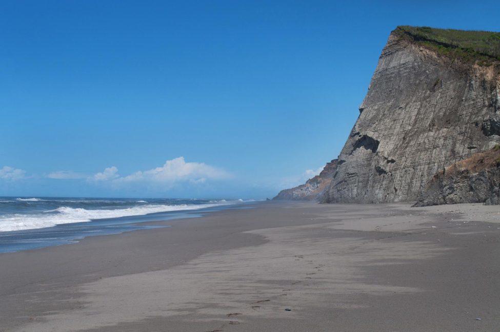 lost_coast_cliff