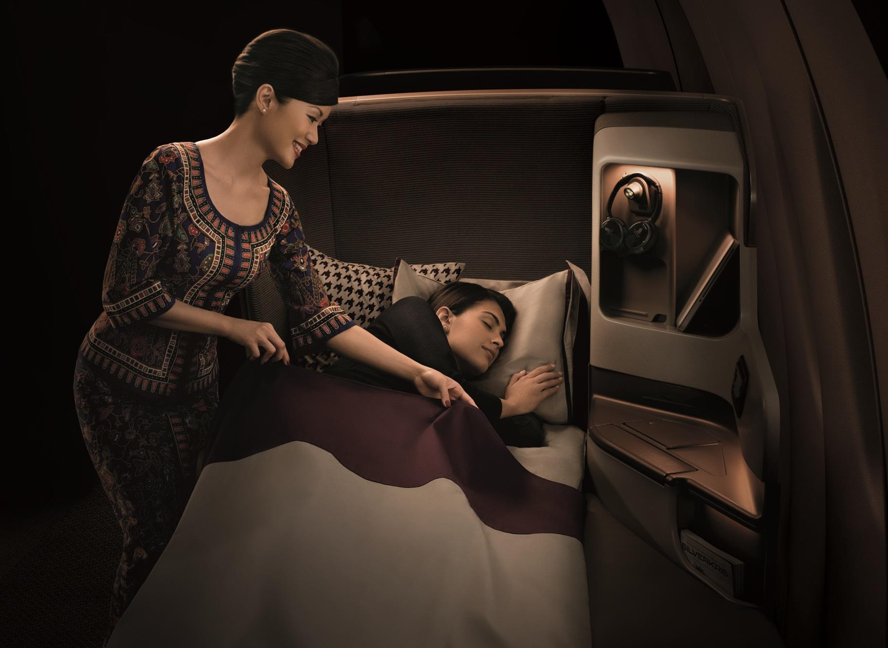 Singapore Airlines B77 - Business Class (4)
