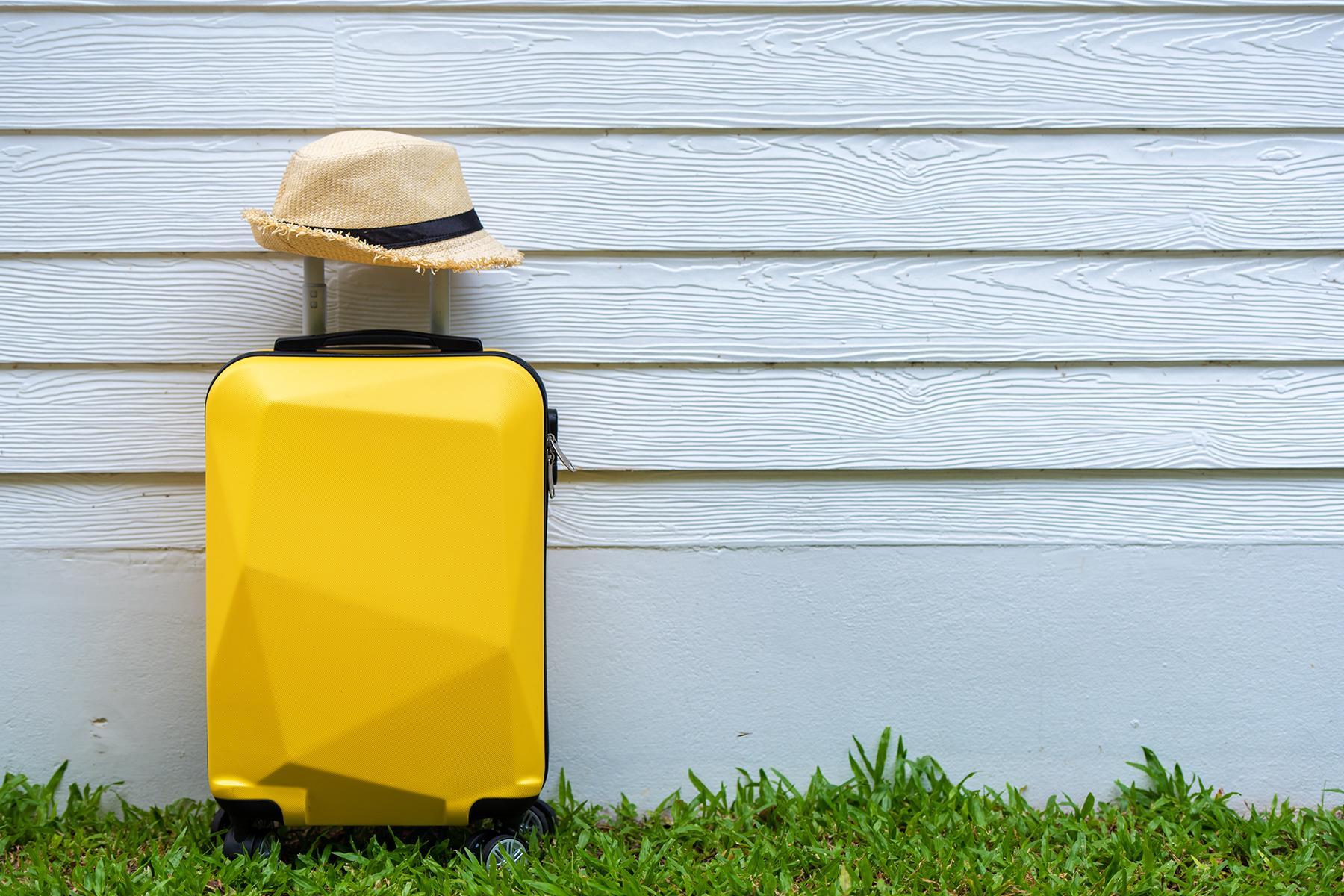 7_AvoidBedbugs_Suitcase_shutterstock_1100700860