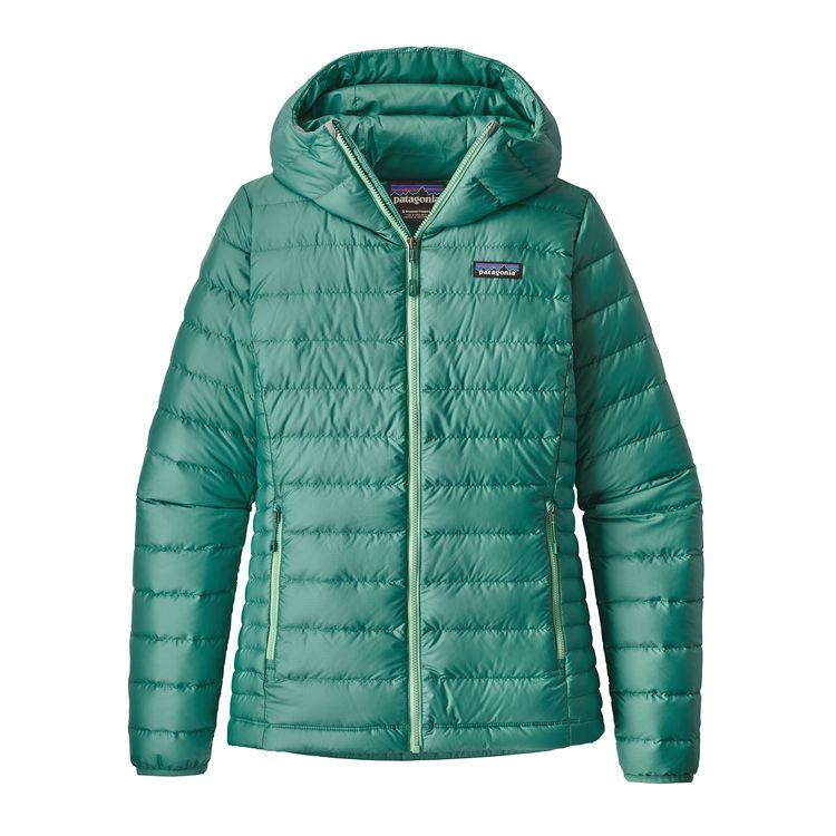 262506130 10 Puffy, Down, and Winter Jackets for Packing in a Suitcase