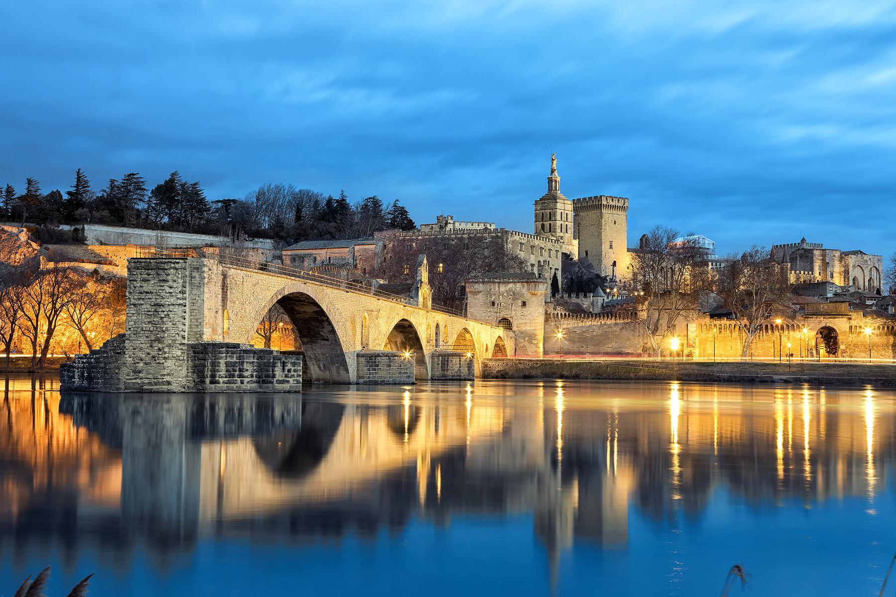 02_PicturePerfectProvenceTowns__Avignon_shutterstock_1013445280